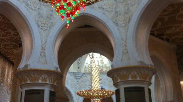 CAの休日旅行 アブダビのモスク、シェイク・ザイード・グランド・モスクの中
